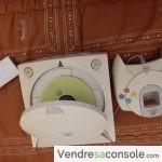 Vend console Dreamcast+Carte memoire Rewax+1 MANETTE ET Cable de connections et péritel + Jeu SNOWSURFERS et RAYMAN2